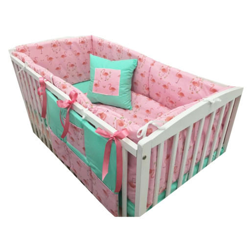 Lenjerie de pat bebelusi cu aparatori laterale pufoase si buzunar Deseda Flamingo