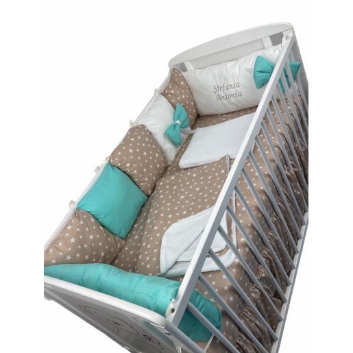 Lenjerie Personalizata cu aparatori din 7 pernute pufoase, perna paturica si cearsaf cu volan Deseda Verde menta -Steluțe pe bej