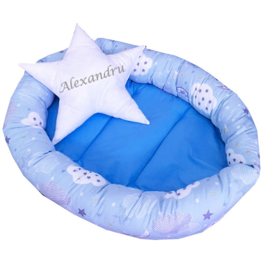 Cuib baby nest bebelusi forma ovala Albastru cu norisori si luna