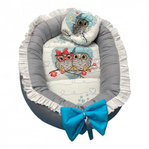 Cuib baby nest bebelusi cu volanase si perna de formarea capului Gri- Familia de bufnite albastru LUX by Deseda
