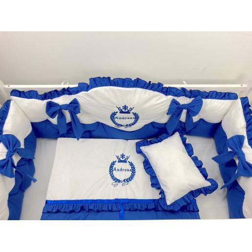 Lenjerie de pat cu apărători matlasate boltite, fundițe, Broderie regala, 7 piese Albastru Royal - Alb
