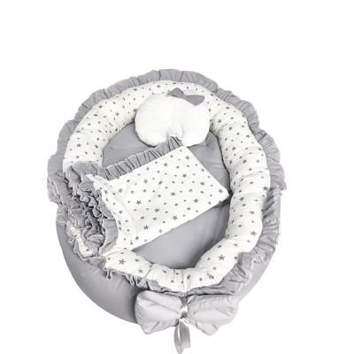 Cuib baby nest bebelusi cu volanase gri - stelute gri pe alb LUX by Deseda