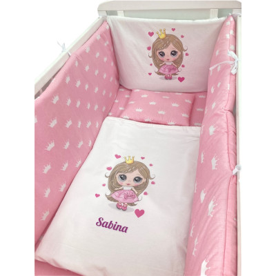 Lenjerie de pat Personalizata imprimata Prințesa cu coronițe albe pe roz