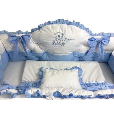 Lenjerie de pat cu apărători matlasate boltite, fundițe, 7 piese Albastru pal - Alb