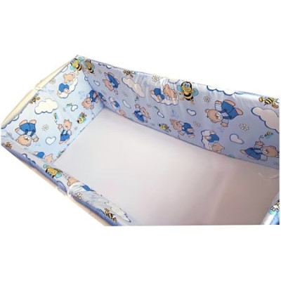 Aparatori laterale protectii laterale pat pufoase 120x60 cm h35cm Deseda Ursuleti cu albinute pe albastru