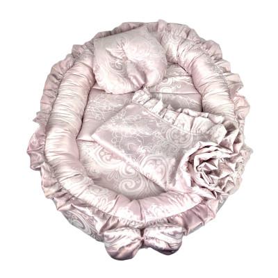 Cuib cu volanase din Jackard Roz pudra