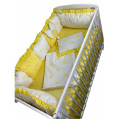 Lenjerie Personalizata cu aparatori din 7 pernute pufoase, perna paturica si cearsaf cu volan Deseda Coronițe galbene