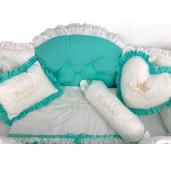 Lenjerie de pat 14 piese cu apărători matlasate boltite, baldachin și pernuțe brodate